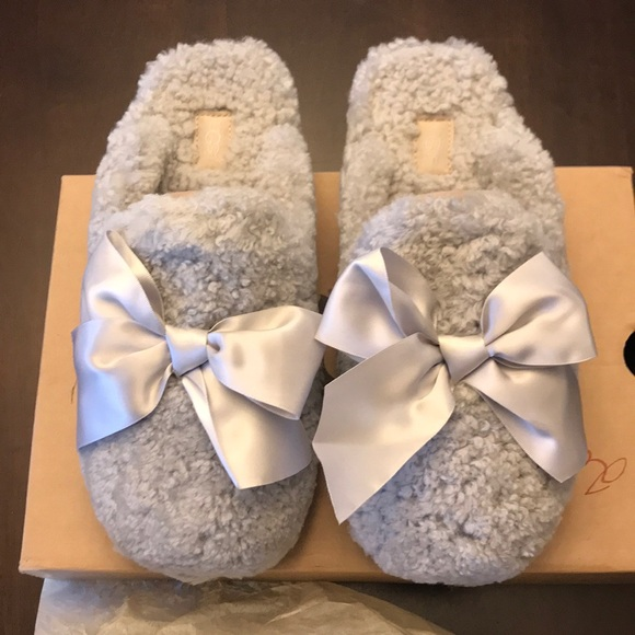 16ff29763e8 UGG NEW Addison Slippers NWT